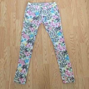 Multicolored white jeans